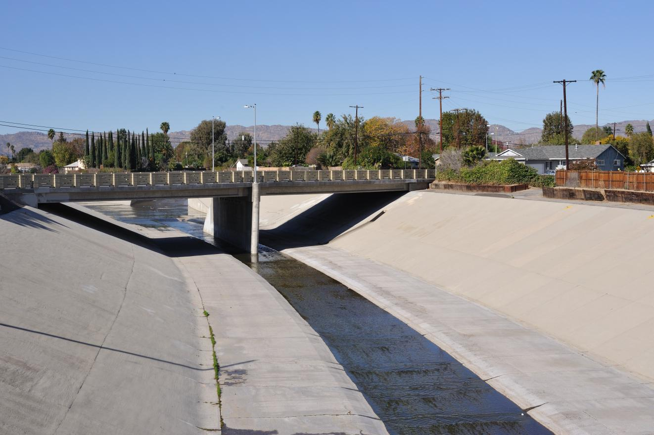 Storm drainage channel for urban drainage